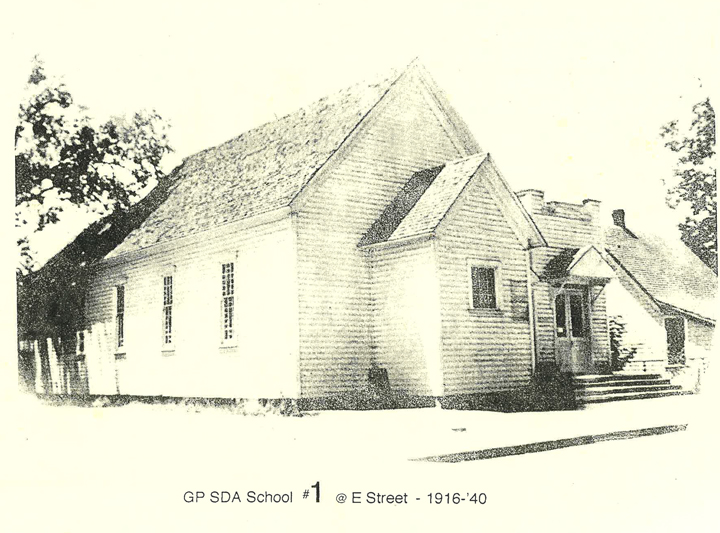 A photo of Grants Pass Seventh-Day Adventist School from 1916-1940